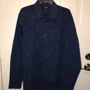 Men's Brand new with tags. Apt 9 dress shirt